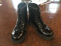Pair of black patent leather boots size 2 girls very cute Edenville, 48657
