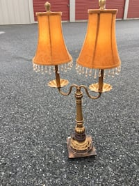 Two brown wooden base table lamps with brown lampshades Douglassville, 19518