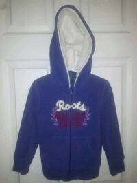 Roots kids 5t zip up hoodie in great condition. Kitchener, N2A 4B9