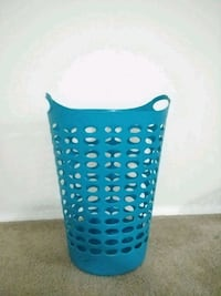 Laundry basket very good condition Pensacola, 32503