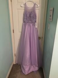 Bought this dress off of Amazon for $75 and never wore it. It is a size 8 and the tags are still on it   Winchester, 22602