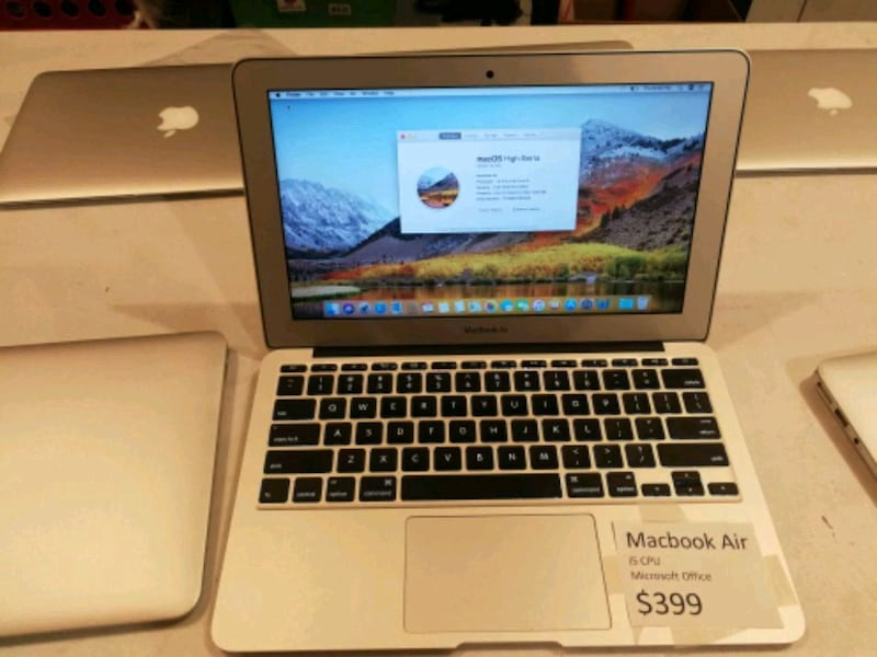 "Macbook Air 11"" i5 CPU. 8g ram. Ssd128 fc1ec4eb-27b5-474d-a632-9858eeb57e9a"