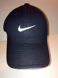 Nike One SQl Flexfit Golf Cap Size M/L Black With White London