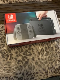 Nintendo Switch + traveling case Brampton