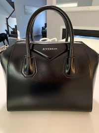 Authentic Givenchy Antigona (small)