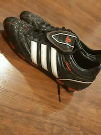 Adidas mens size 11 cleats Newmarket, L3Y 2X8