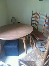 Kitchen table Bedford, 24523