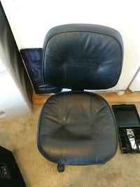 Computer chair 8.00 Bakersfield, 93311