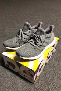 Adidas Ultraboost Running Shoes Sneakers Men US Size 9 Used Markham, L3P 3B4