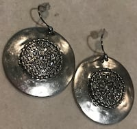 Chico's beautiful hanging earrings Silver Spring, 20904
