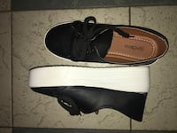 pair of black leather sneakers \\ ONLY USED ONCE! Boon Lay and Pioneer