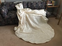 GORGEOUS WEDDING GOWN - ALL HANDMADE CRAFTED 786 km
