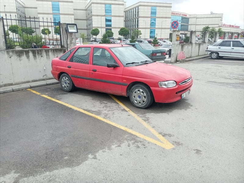 1997 Ford Escort 1.6 CL 7