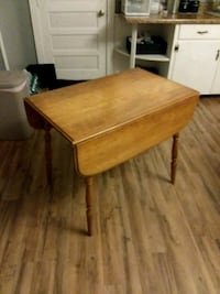 Small kitchen table Hagerstown