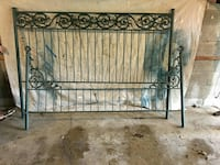 Beautiful ivy green king-size bed frame Pittsburgh, 15237