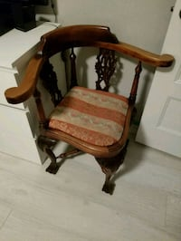 Antique chair Laval