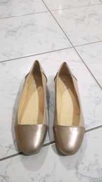GEOX never worn Size 7 flats