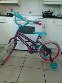 Girls bike . My baby used it 3x in very good codit