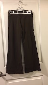 Brown Lululemon sports pants flare small Oakville, L6K 3C7