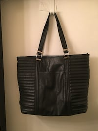 Black Large tote/used only a few times. Monterey, 93940