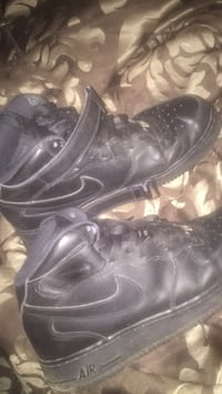 pair of black Nike Air Force 1 high shoes Zachary, 70791