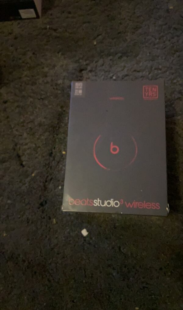 Beats Studio3 Wireless Headphones - beats studio 3  e4e9d0d7-4f6a-46a5-bc99-5fd37f949641
