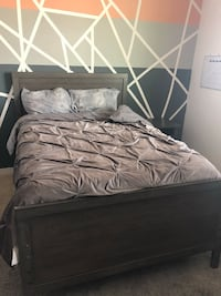 Full size bed with mattress & foundation