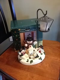 white and green ceramic Snowman table lamp with box