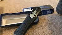Black and gray punisher knife limited addition 30 km