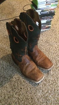 Ariat boots for sale. Size 9.5.  Nixa, 65714