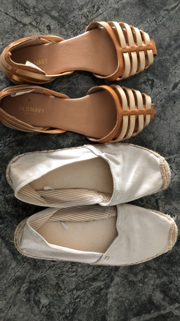 Gap and old navy shoes ( almost new)