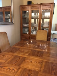 Solid wood dining set with 6 chairs and a hutch Calgary, T3E