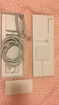 Apple Magsafe with adapter box