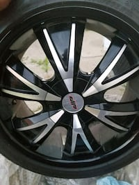 Mercedes 18 inch Rims with tires Mississauga, L4T 3S5