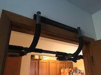 Black and gray pull-up bar Madison, 53703