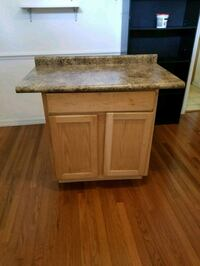Cabinet with counter top Apopka, 32703