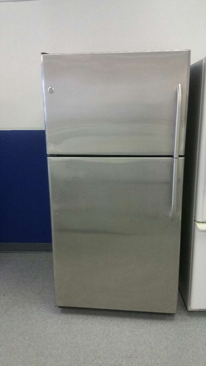 Letgo Ge Upright Stainless Steel R In Maple Heights Oh