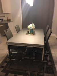Rectangular Dining Table with 4 chairs dining set Brampton, L6V
