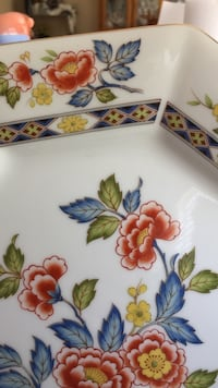 white, blue, and green floral ceramic plate Lancaster, 93536