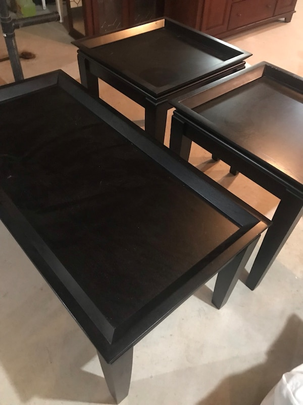 Black coffee table with 2 side tables 285b24f2-7da5-4ff7-bfd8-c272a64b5ca4
