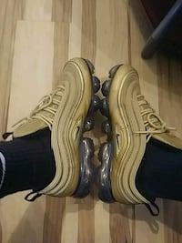 pair of brown Nike Air Max shoes East Moline, 61244