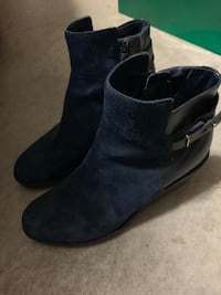 Excellent condition Cole Haan size 8 suede ankle boots in blue Richmond, V6V 1B7
