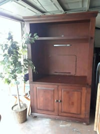 Brown wooden cabinet with hutch Houston, 77040