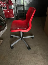 IKEA Red chair with wheels  Franklin, 37064
