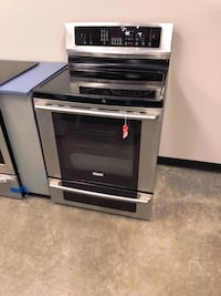NEW Electrolux Stainless Electric Glass Top Range! #642 Gilbert