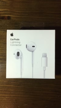 Apple EarPods North Vancouver, V7K 1B3