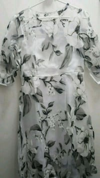Sheer floral dress with white lining Toronto, M2K 1G8