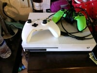 white Xbox One console with controller North Huntingdon, 15642
