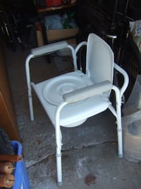 white and gray high chair Mississauga