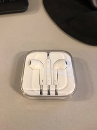 Apple headphones  44 km